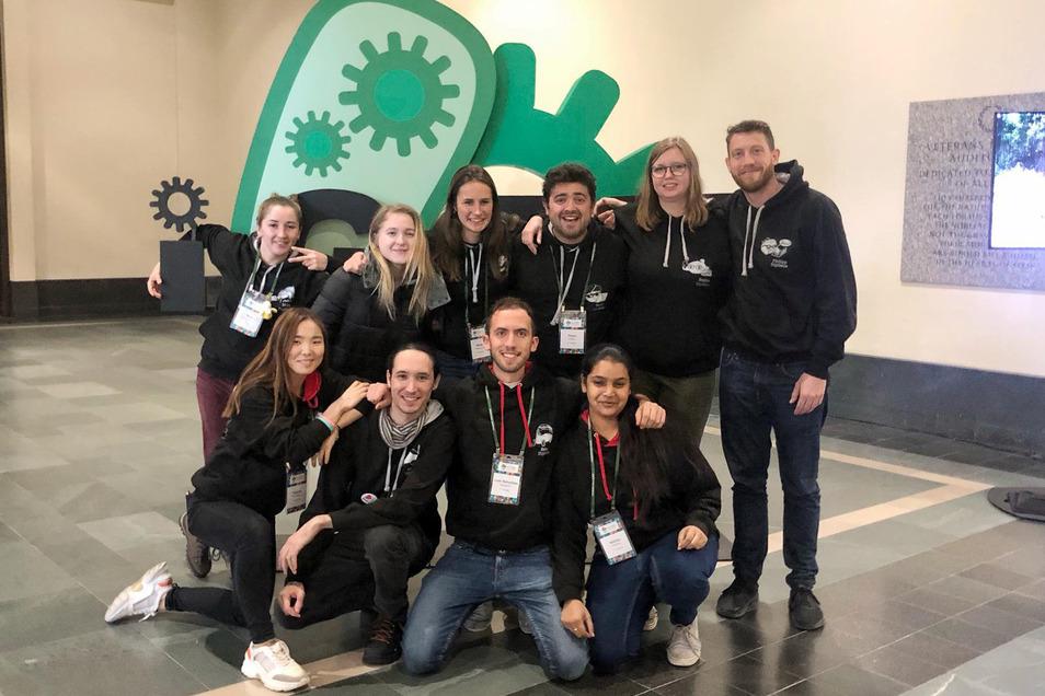 In Boston nahmen die Studenten der TU Dresden an der großen Präsentation des iGem-Wettbewerbs teil. Mit einer Goldmedaille im Gepäck kamen sie zurück.
