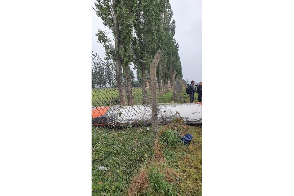 Ein Zaun wurde beschädigt.