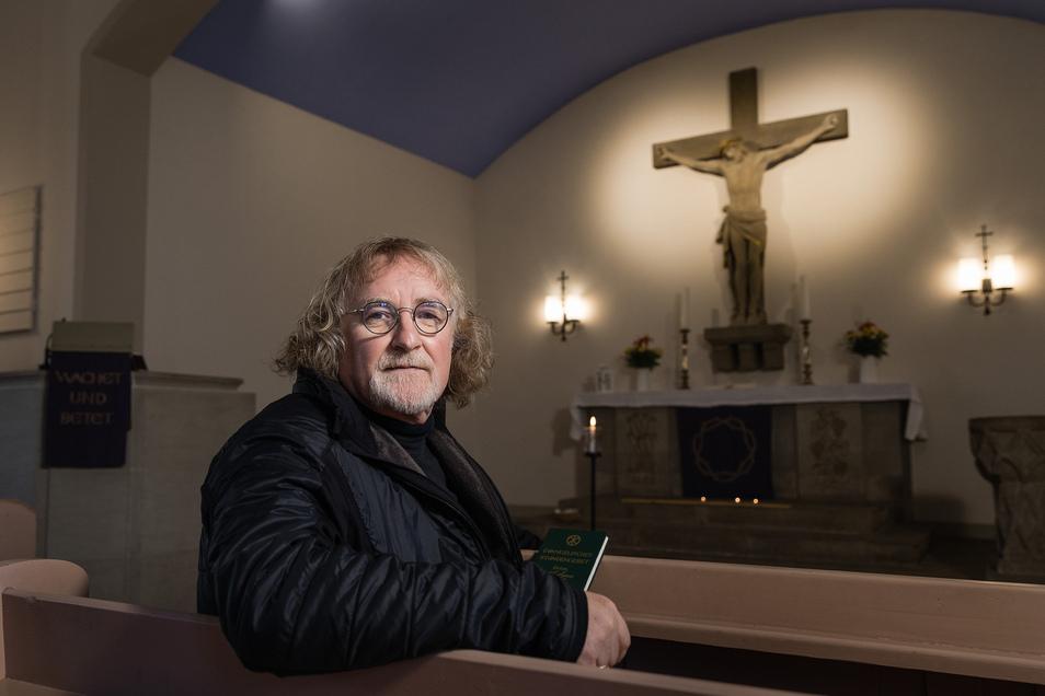 Pfarrer Michael Führer öffnet die Nazarethkirche in Dresden-Seidnitz täglich für eine Stunde zum persönlichen Gebet. Zudem hat er in seiner Gemeinde einen Telefondienst organisiert.