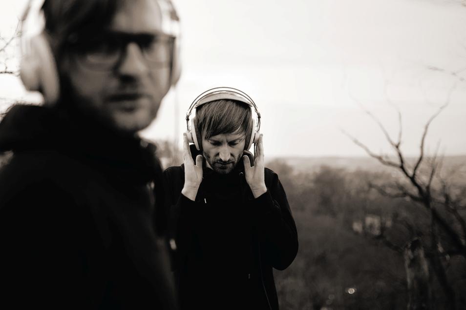 Auf der Suche nach dem perfekten Sound: Simon Arnold (l.) und Ralf Müller-Hoffmann sind das Dresdner Duo Søjus1.