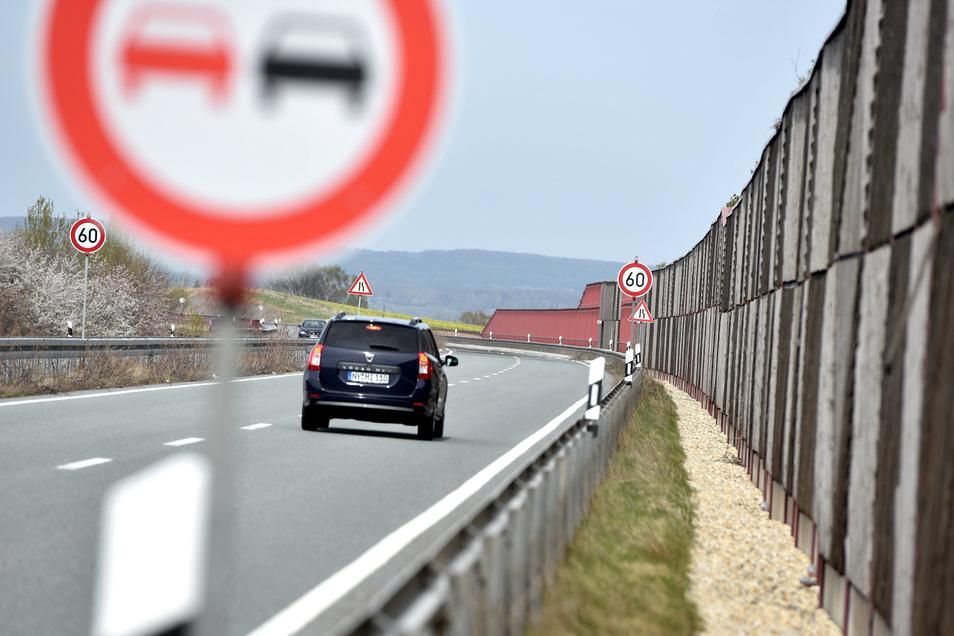 Immer noch ist auf der B178 wegen Bauarbeiten an der Talbrücke Wohla das Tempo auf 60 gedrosselt.