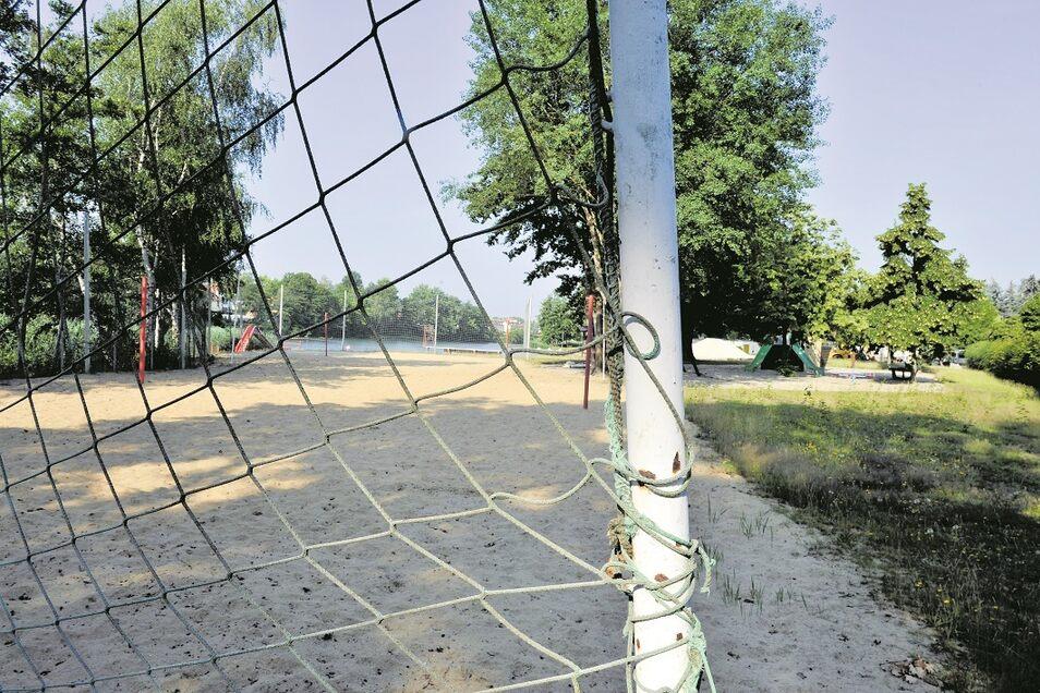 Auch künftig kann im Jahnbad auf drei Volleyballplätzen gespielt werden.
