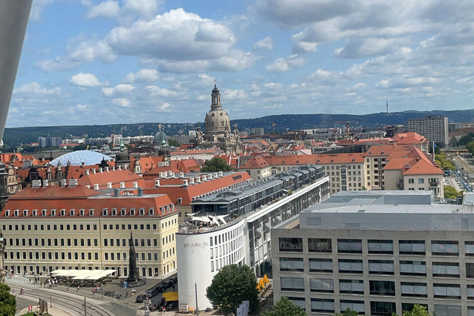 Genießen Sie den Blick über Dresden.