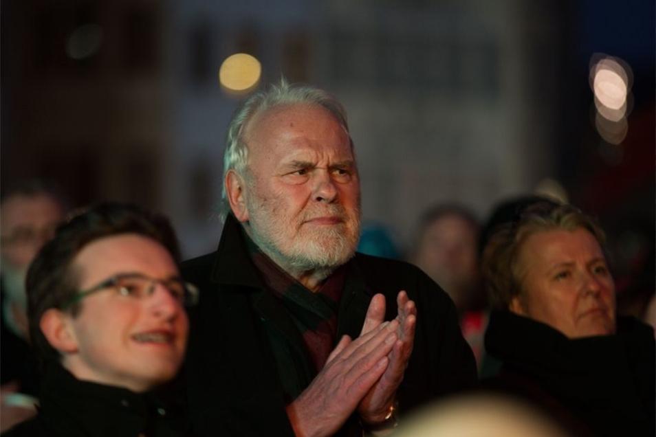 Sänger Gunther Emmerlich war am Montag beim Bürgerfest auf dem Neumarkt dabei. Es wurde gescheit gesprochen, sagt er.