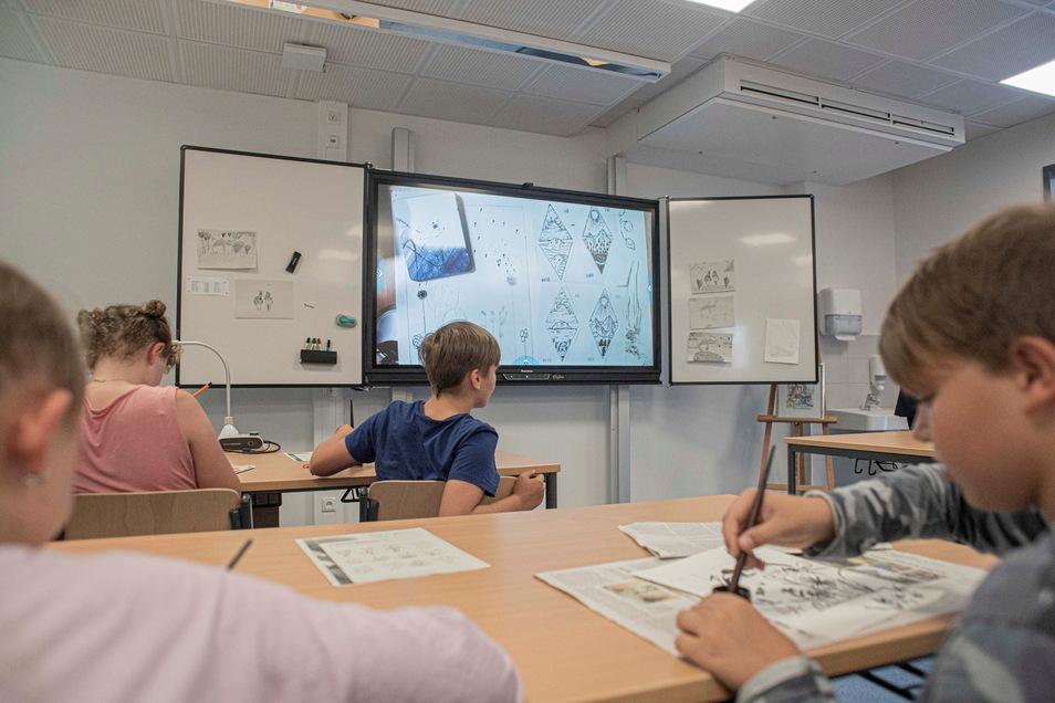28 digitale Tafeln besitzt die Oberschule an der Elsteraue.