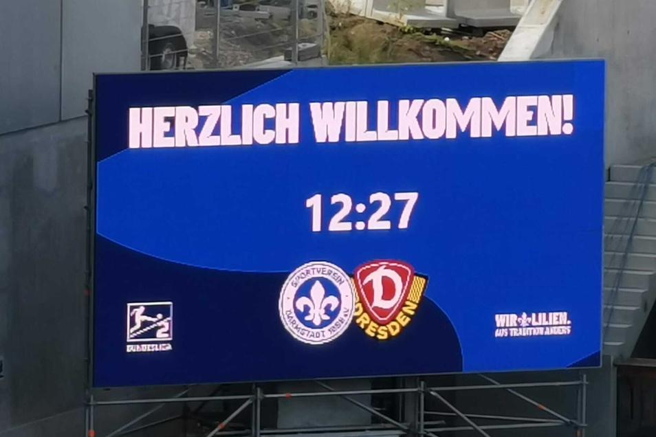 In knapp einer Stunde trifft Dynamo im Auswärtsspiel auf Darmstadt 98. Anstoß ist um 13.30 Uhr im Stadion am Böllenfalltor.