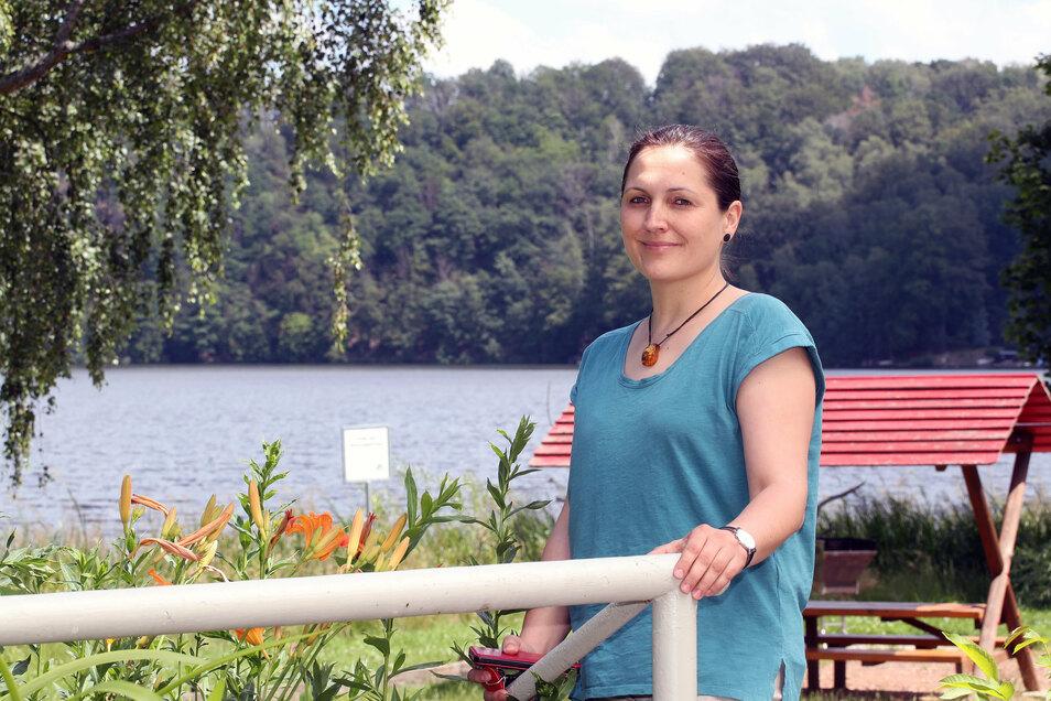 Doreen Nitzschke leitet seit zwölf Jahren die Jugendherberge in Falkenhain. Besonders gefällt ihr daran, viel im Grünen und am Wasser sein zu können.