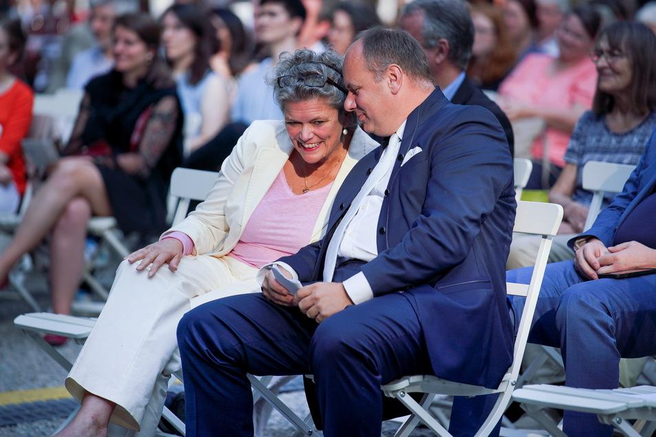 Oberbürgermeisters Dirk Hilbert und Katrin Sachs, die Chefin der Bürgerstiftung Dresden - Gastgeber im Gespräch.