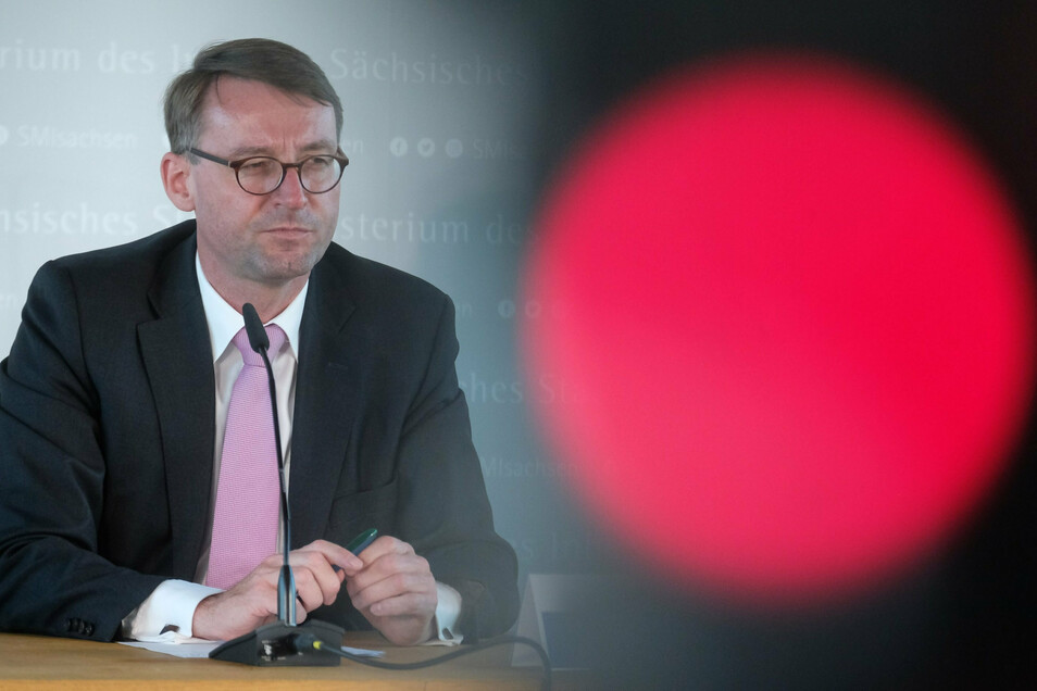 Unter Druck: Sachsens Innenminister Roland Wöller (CDU)