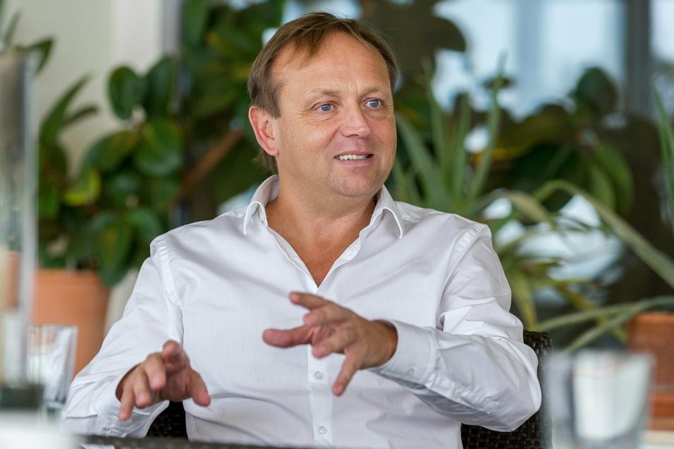 Oliver Kreider im Gespräch in der Friedensburg Radebeul.