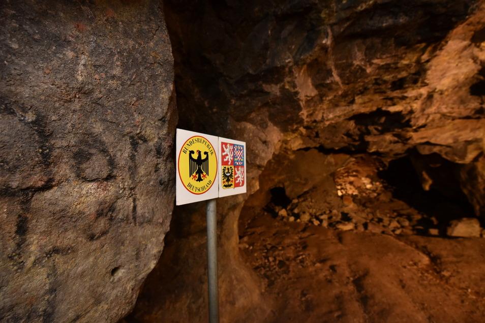Hier im Schaubergwerk in Zinnwald verläuft die Staatsgrenze mitten durch den Bergbaustollen. Darunter liegt ein großer Lithiumvorrat, den sich ebenfalls Tschechien und Deutschland teilen.