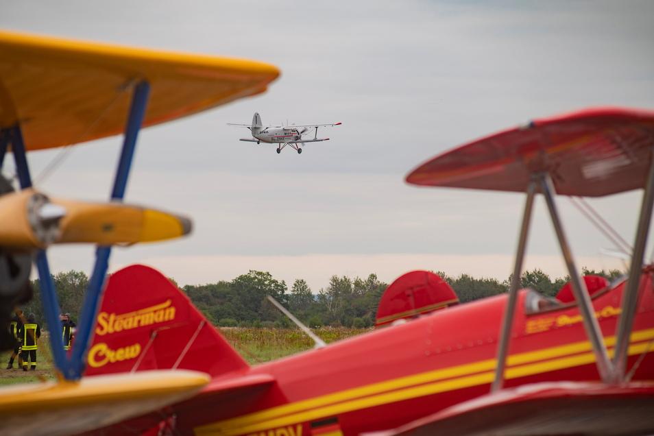 Die Fliegerei fasziniert: Tausende Großenhainer und ihre Gäste kamen am Wochenende auf den Flugplatz. Die Großflugtage waren trotz durchwachsenen Wetters ein Augen- und Ohrenschmaus - und ein absolutes Muss für Flugfans.