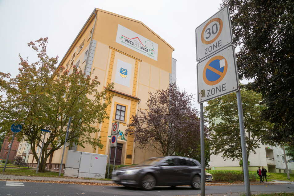 30er-Zonen gibt es in der Stadt Niesky vor allem in den mehrgeschossigen Wohngebieten wie hier in der Ringstraße.