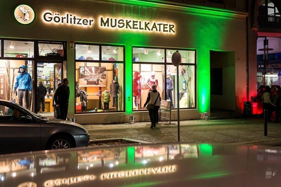 Der Muskelkater auf der Jakobstraße lockte mit grüner Fassade.