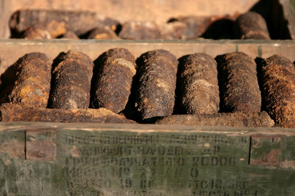 Diese Munitionin der Königsbrücker Heide gefundene Munition wurde 2013 gesprengt werden, weil sie nicht transportfähig war. In der Königsbrücker Heide liegt tonnenweise Munition, die Stück für Stück geborgen wird.