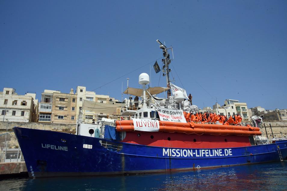 """Das Seenotrettungsschiff """"Lifeline"""", hier im Hafen von Malta, ist nun verkauft worden."""
