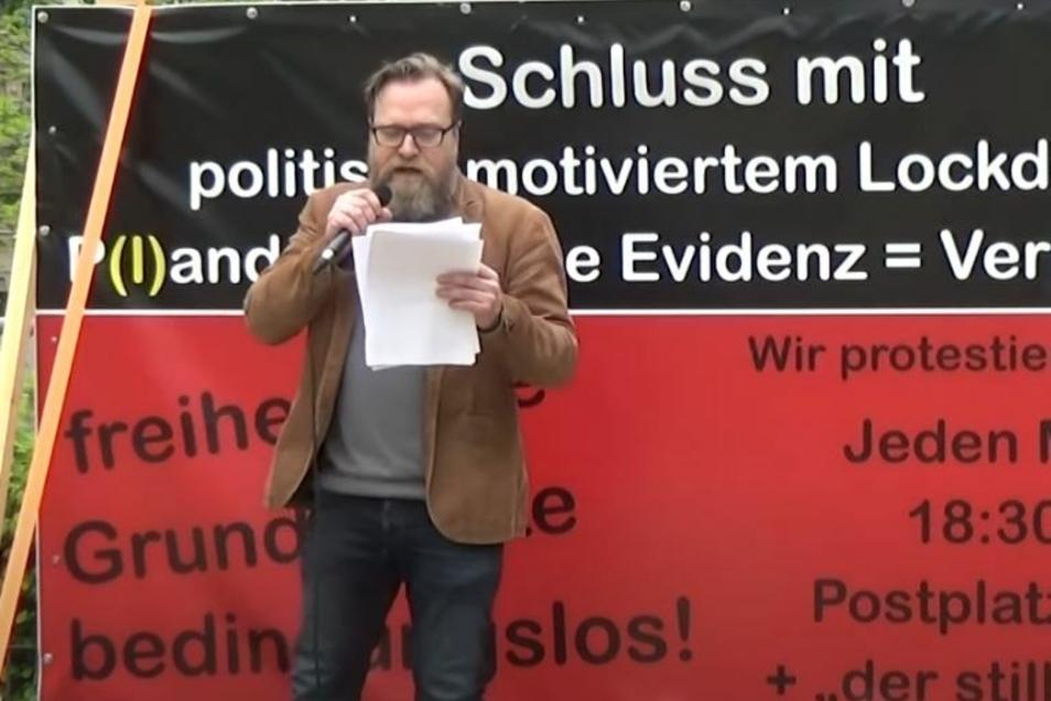 Eugen Böhler bei der Demo auf dem Lutherplatz.