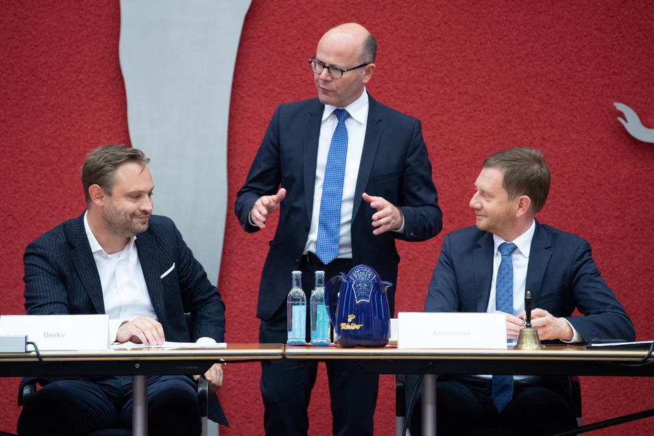 Alexander Dierks (l-r), CDU-Generalsekretär in Sachsen, Oliver Schenk (CDU), Chef der Staatskanzlei in Sachsen, und Michael Kretschmer (CDU), Ministerpräsident von Sachsen.