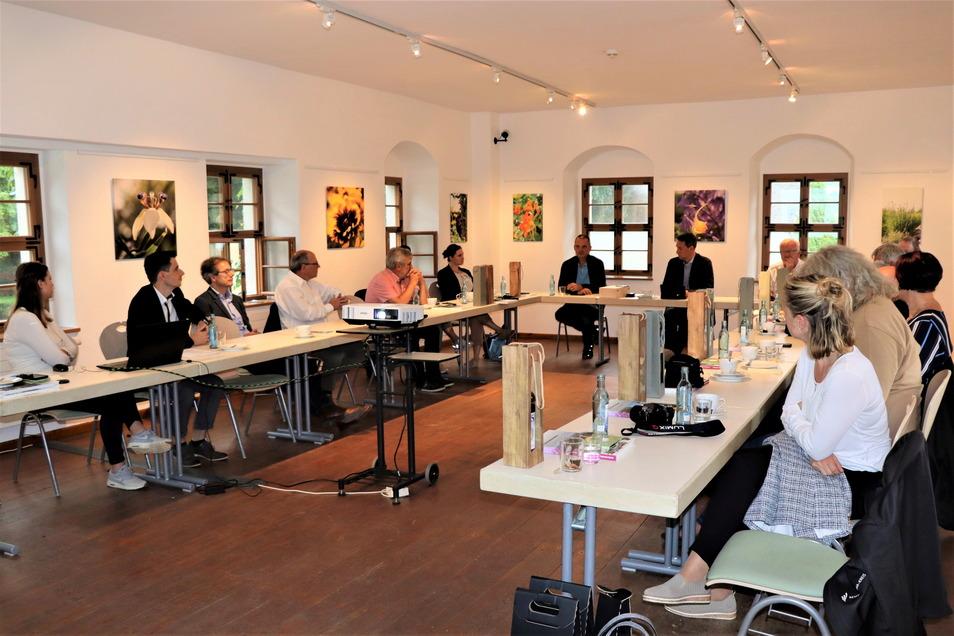 Fachlicher Austausch im Kloster Altzella: Eine Delegation aus dem Rems-Murr-Kreis war zu Gast im Landkreis Meißen.
