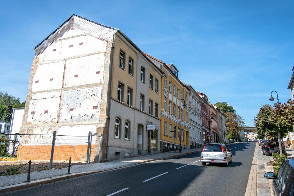 Der Giebel am Haus Bahnhofstraße 27 in Waldheim soll wieder ansehnlich gestaltet werden.