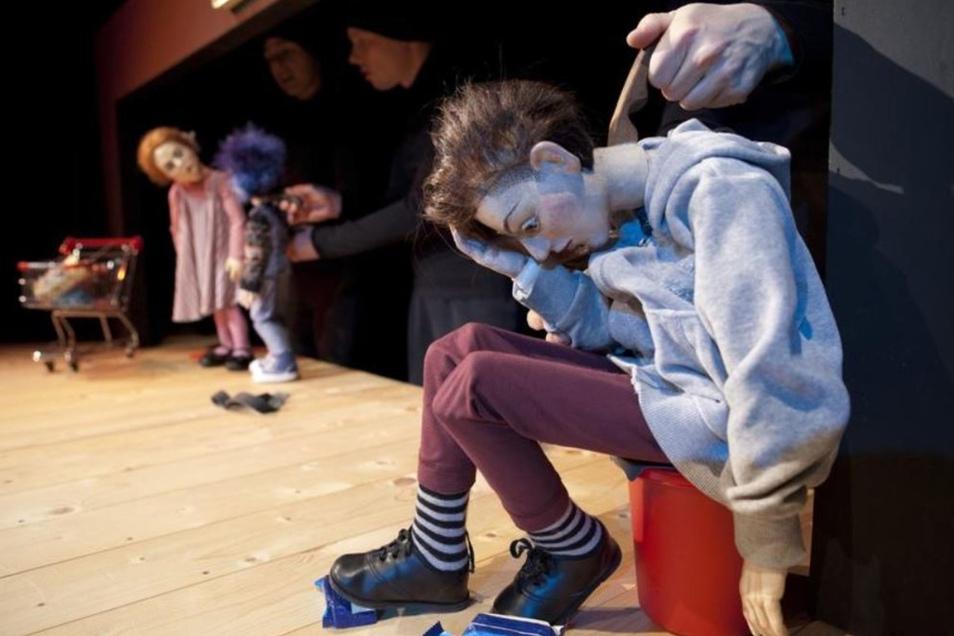 "Um Ausgrenzungserfahrungen geht es in dem Puppentheater-Stück ""Über Lang oder Kurz""."