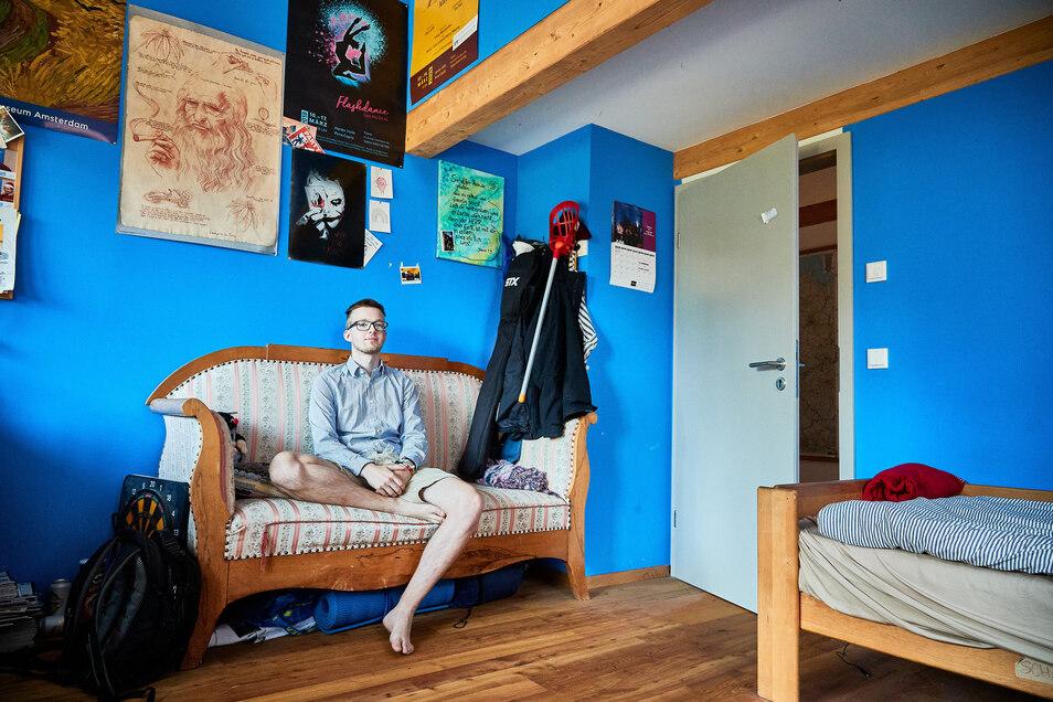 Praktisch im Haus geboren und mehrmals darin umgezogen: Konstantin Leonhardi und sein Zimmer im Neubau.