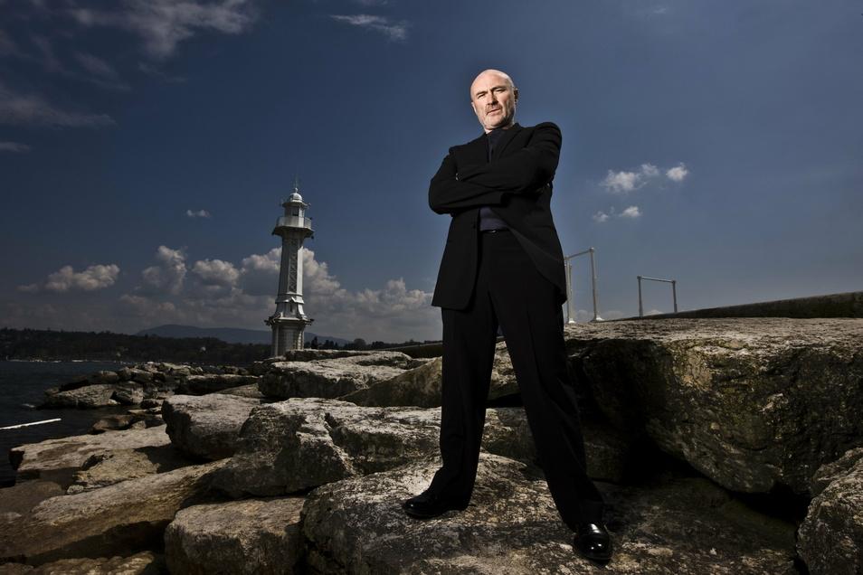 Zwischenzeitlich in der Schweiz zu Hause: Phil Collins am Ufer des Genfer Sees.
