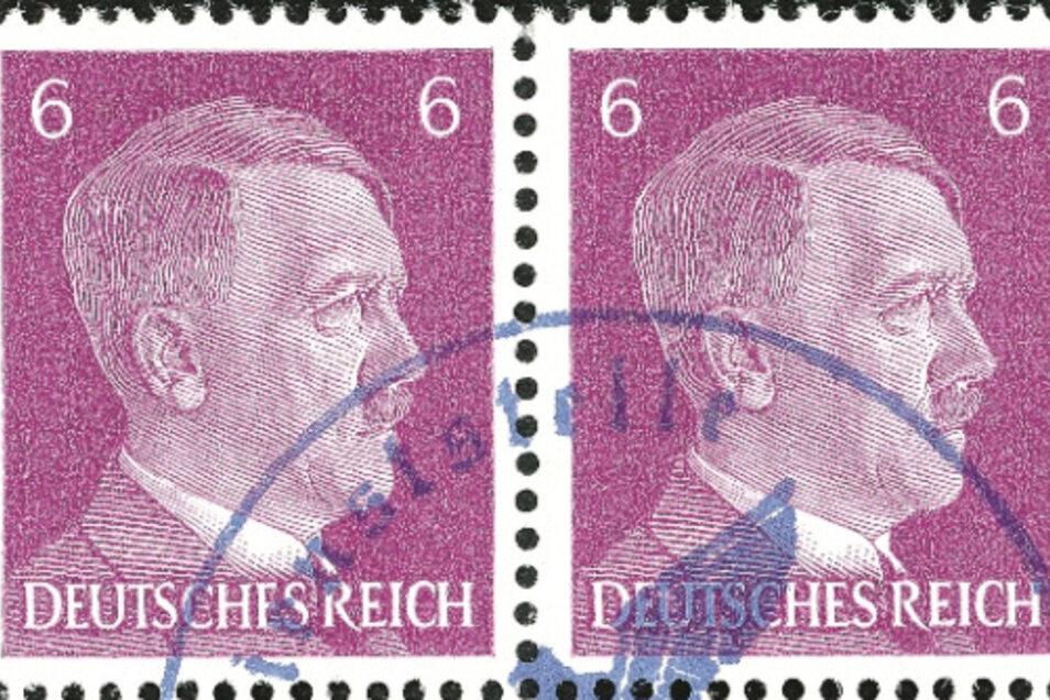 """Die Vorstellung, dass Hitler von Millionen mit der Zunge befeuchtet wurde, hat für Durs Grünbein """"etwas Entsetzliches""""."""