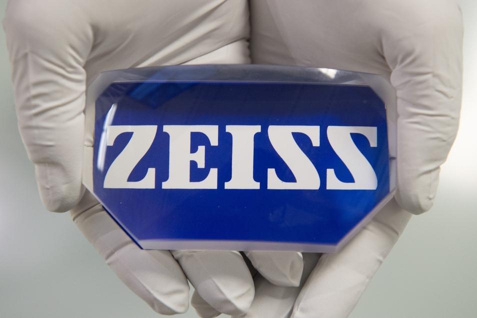 Der Technologiekonzern Zeiss übernimmt das Softwareunternehmen Saxonia Systems AG.