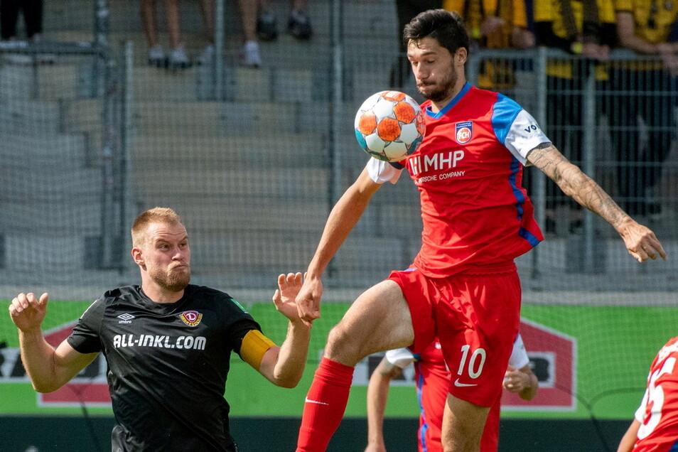 Auch Kapitän Sebastian Mai (links) kann Dynamos Defensive in Heidenheim keine Sicherheit vermitteln. Bei der 1:2-Niederlage macht diese zu viele Fehler.