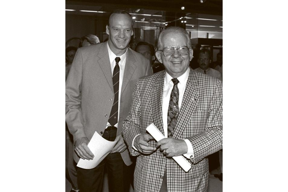Hans-Georg Moldenhauer (l.) und der damalige DFB-Präsident Hermann Neuberger