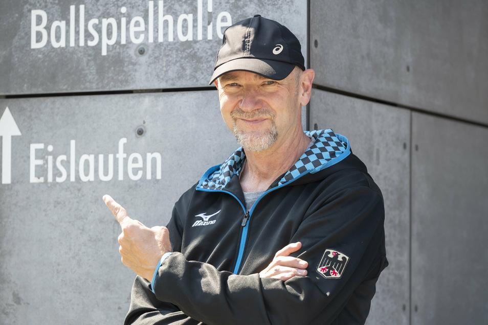 Eisschnelllaufen ist seine Leidenschaft. Trainer André Hoffmann ist Olympiasieger. Jetzt fördert er in Dresden Talente.