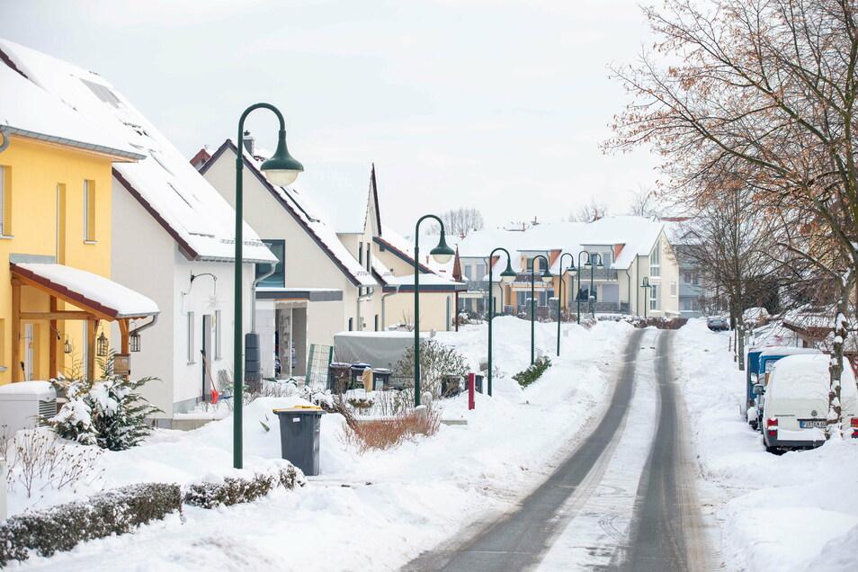 In den letzten Jahren ist an der Nossener Straße in Wilsdruff ein neues Wohngebiet entstanden. Das trug auch dazu bei, dass die Einwohnerzahl der Kernstadt weiter gewachsen ist.