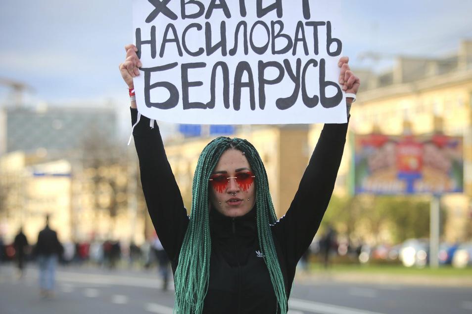 Seit mehr als zwei Monaten laufen Massenproteste in Belarus - trotz Gewaltandrohung der Behörden.
