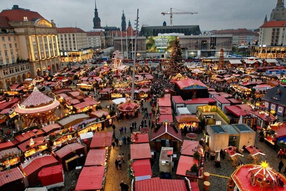 Der Dresdner Striezelmarkt geht jetzt ins  581. Jahr. Er wird als der älteste beurkundete Weihnachtsmarkt in Deutschland geführt.