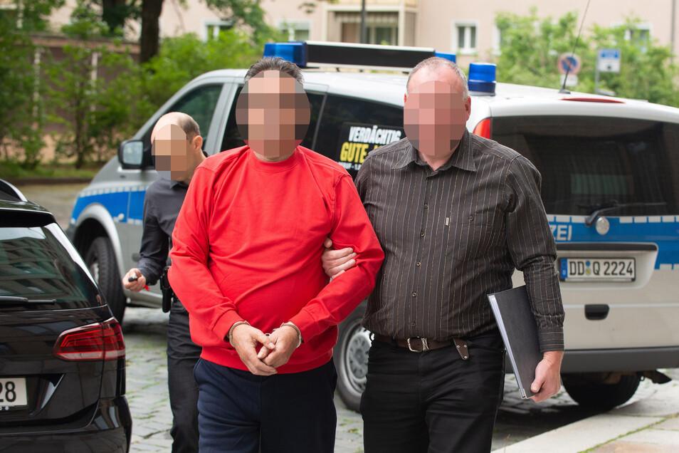 Am frühen Nachmittag wurde der mutmaßliche Täter zur Haftprüfung ins Amtsgericht gebracht.