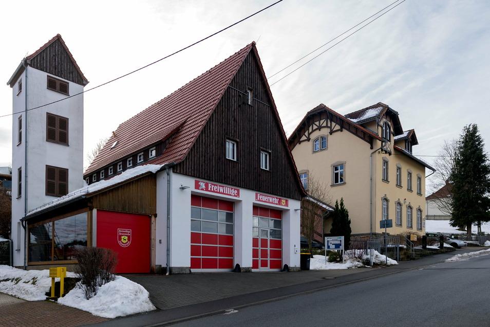 In ländlichen Regionen wird es offenbar immer schwerer, Menschen für den Freiwilligen Dienst in den Feuerwehren zu begeistern.