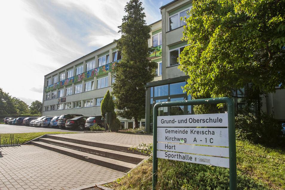 Die alte Plattenbauschule ist seit 47 Jahren in Betrieb und viel zu klein geworden. Wenn der Grundschulneubau steht, wird auch sie völlig umgestaltet und erweitert.