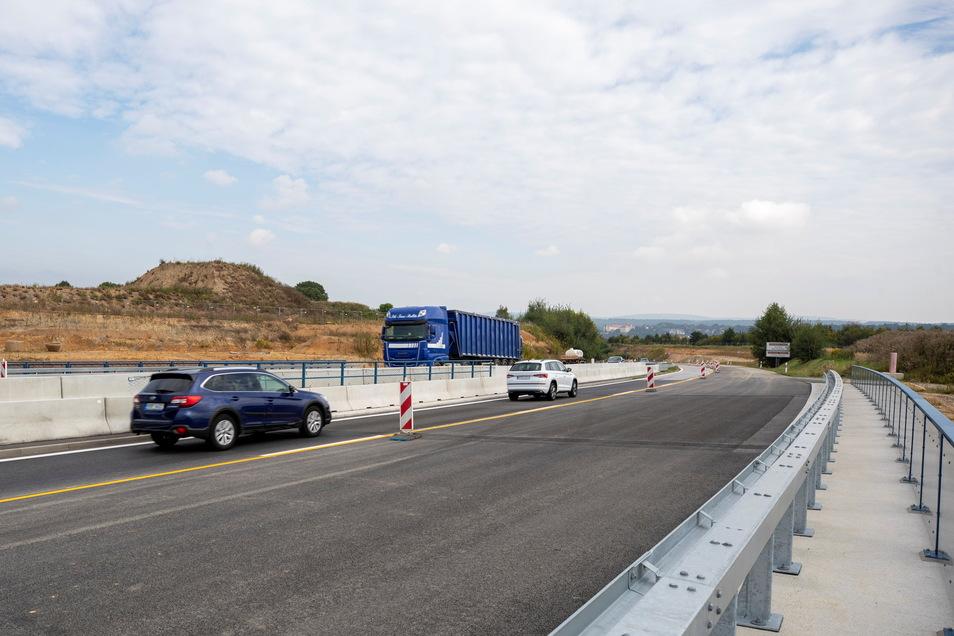 Autobahnzubringer Pirna: Am Knotenpunkt Feistenberg rollt der Verkehr jetzt in beiden Richtungen wieder auf gewohnter Strecke.
