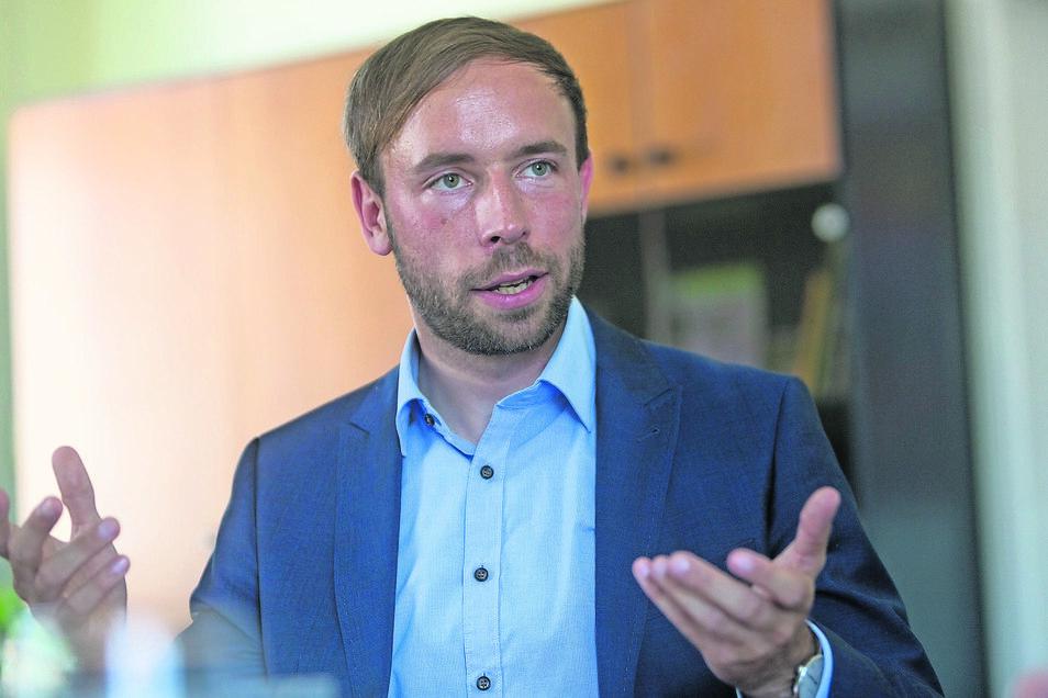 Unter der Leitung des Ersten Bürgermeisters Peter Pfitzenreiter bereitet Freital das hundertjährige Stadtjubiläum 2021 vor. Höhepunkt soll der Tag der Sachsen in Freital werden.