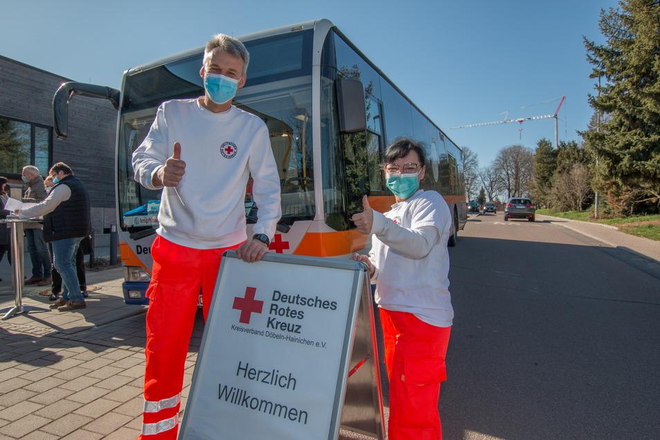 Im April war das DRK-Impfteam schon einmal in Ostrau. Dieses Mal kommen sie ohne Bus, aber mit mehr Impfstoff.