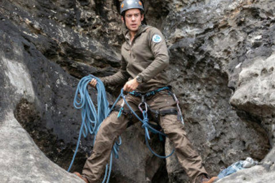 Riskante Kletterszenen wie diese werden im Vorfeld trainiert. Manchmal mit, manchmal ohne Stuntman.