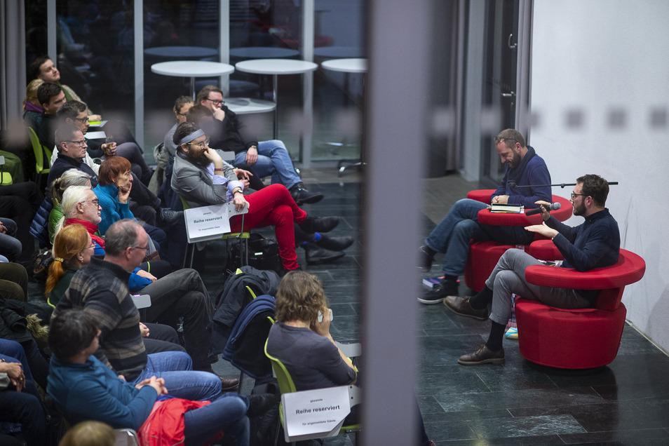 Diskussion in der Blue Box der Hochschule Görlitz-Zittau.
