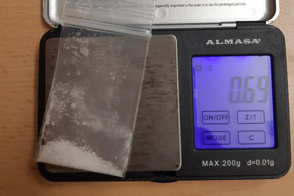 Diese kristalline Substanz fanden die Beamten der Bundespolizei bei der 33-jährigen Deutschen.