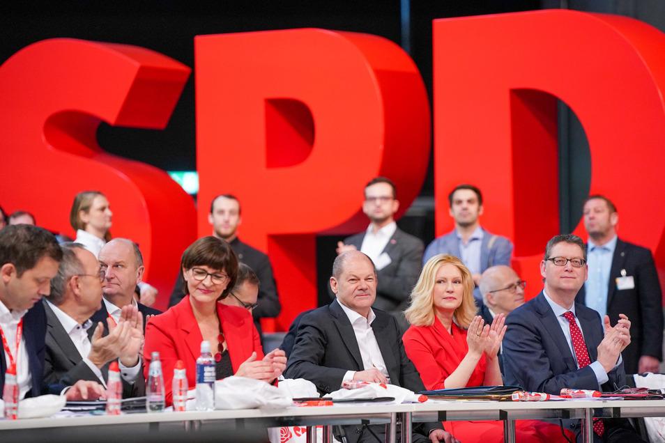 Die SPD hat eine neue Führung - aber in der Bevölkerung verliert sie weiter an Rückhalt.