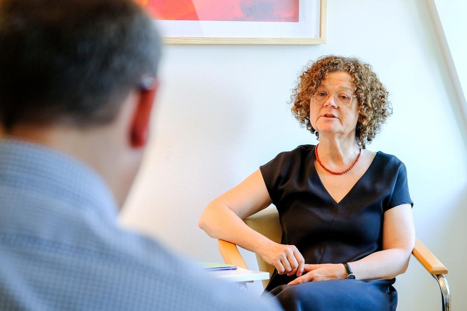 Im Bereich Paar- und Lebensberatung steht Anke-Maria Thiele, Leiterin der Evangelischen Beratungsstelle Radebeul, Menschen mit Rat und Tat zur Seite. Kein Beziehungsproblem ist ein Tabu.