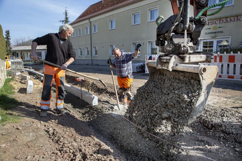 Die Firma Teichmann bekam den Zuschlag für den Bau der Straße und fordert nun mehr Geld.