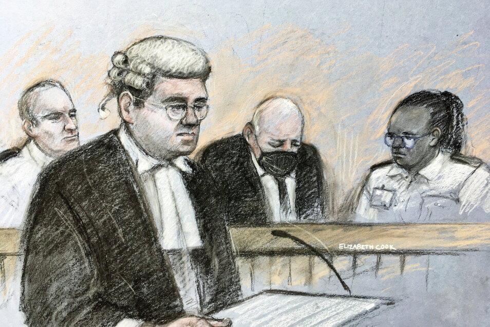 London: In dieser Skizze des Gerichtssaals von Elizabeth Cook erscheint der 48-Jährige Ex-Polizeibeamte zur Anhörung auf der Anklagebank.