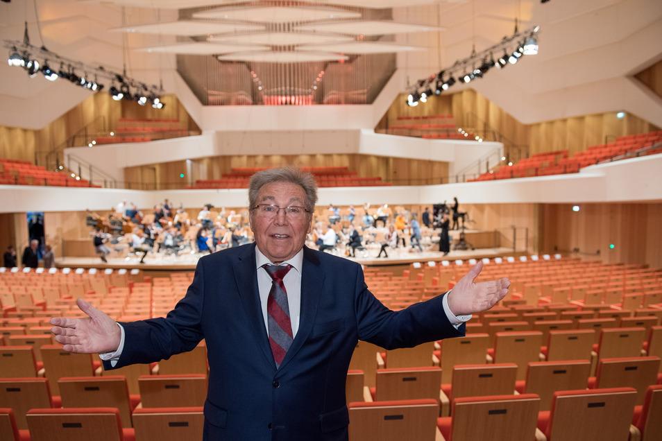 Auch bei der Wiedereröffnung des Eröffnung des Kulturpalastes war er dabei.