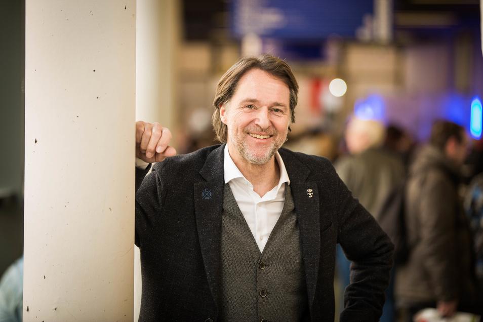"""Auf der Reisemesse anzutreffen: Moderator Ingo Dubinski, bekannt aus seinen Sendungen wie """"Reisen mit Dubinski"""" oder """"elf99""""."""